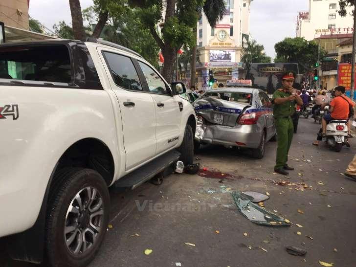 Hà Nội: Thí sinh vừa thi tốt nghiệp bị ôtô đâm trọng thương?